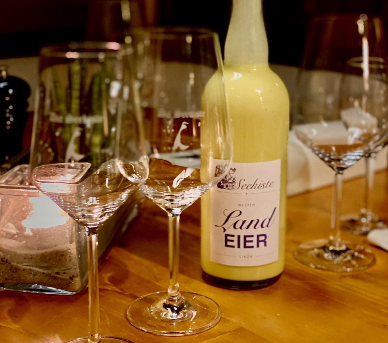 Eierlikör und Weingläser